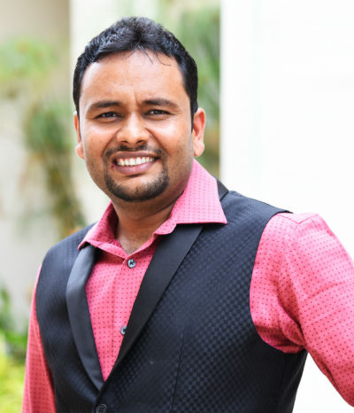 Praveen Tiwari   Author Of Stuck in the Middle? Let's break the middle class dilemma!